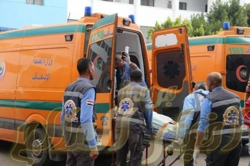 بالاسماء وفاة 5 اشخاص واصابة 16حادث تصادم سياره ميكروباص مع نصف نقل على طرق البحر الاحمرالكيلو 55