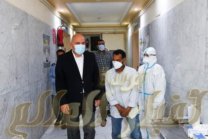 محافظ قنا يفاجئ مستشفي الحميات للاطمئنان علي مستوي الرعاية الصحية لمرضي كرون