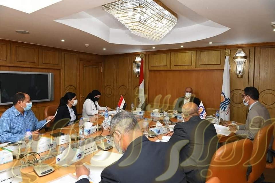 محافظ قنا يترأس اجتماع مجلس إدارة المنطقة الحرة بقفط